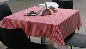 Kockás asztalterítő